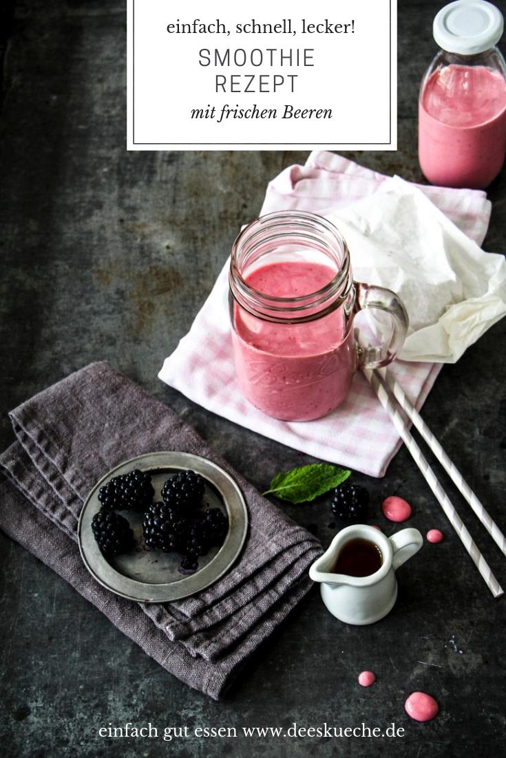 Smoothie Rezept mit frischen Beeren - einfach, schnell, lecker! #smoothie #frühstück #Beeren #sommer #rezept #einfach #schnell #günstig