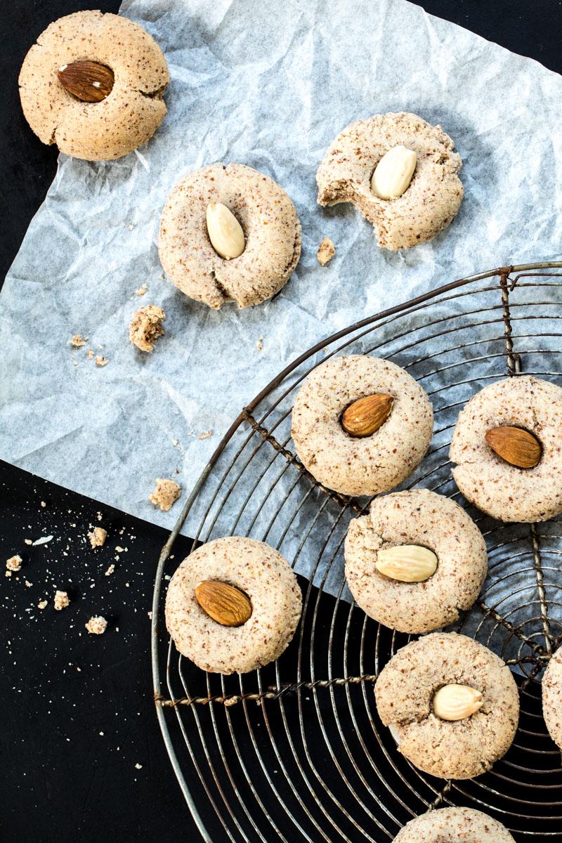 Mandelplätzchen: einfach und köstlich #weihnachtsbäckerei #plätzchen #weihnachtsplätzchen #kekse
