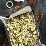 Blumenkohl im Ofen geröstet: so einfach geht's! #blumenkohl #vegan #vegetarisch #gemüse #ofengemüse