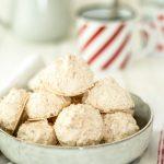 Kokosmakronen schmecken nicht nur zu Weihnachten und sind ganz schnell gemacht! So geht's