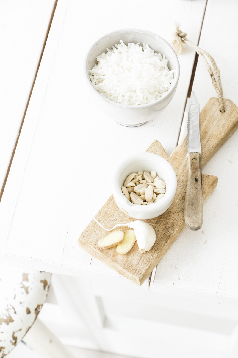 Erdnüsse, Knoblauch, Ingwer: Erdnusssauce ganz einfach selber machen