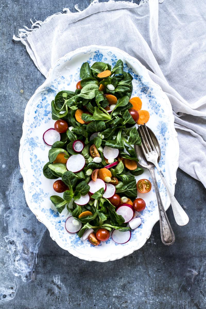 Salatdressing Rezept: perfekt für gemischten Salat