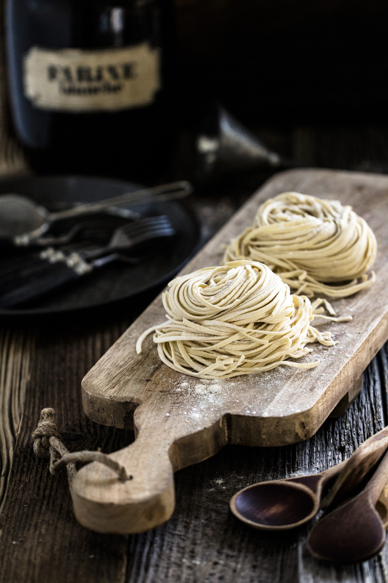 Spaghetti mit Knoblauch und Tomaten