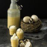 Eierlikör mit Sahne ganz einfach selber machen: Geschenke aus der Küche | Dee's Küche