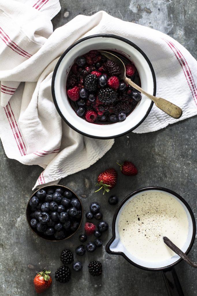 Rote Grütze mit Vanillesauce | Dee's Küche
