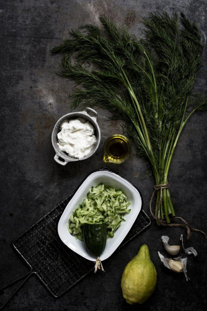 Tzatziki ganz einfach selber machen | Dee's Küche