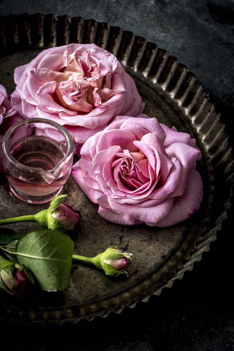 Rosenblütensirup ganz einfach selber machen