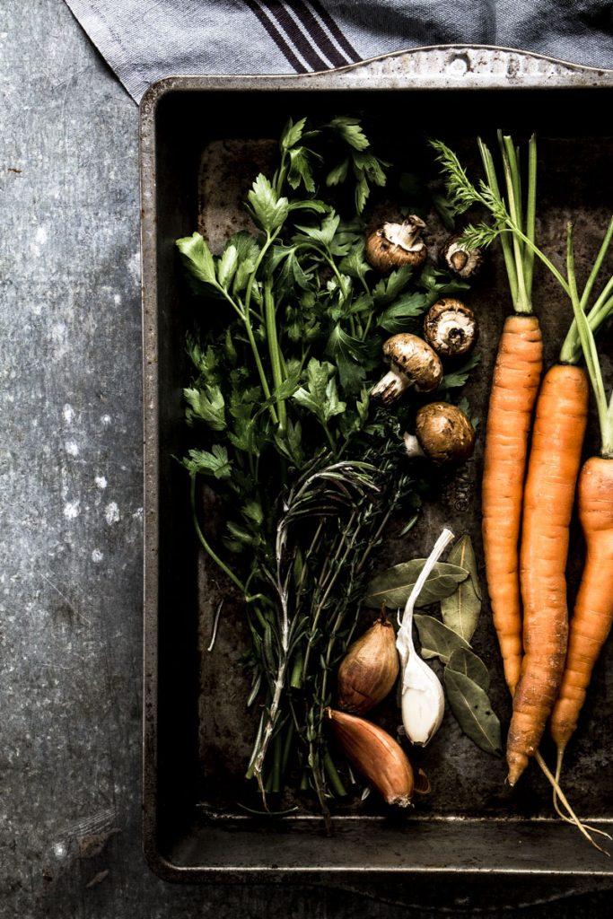 Gemüsefond ganz einfach selber kochen - so geht's