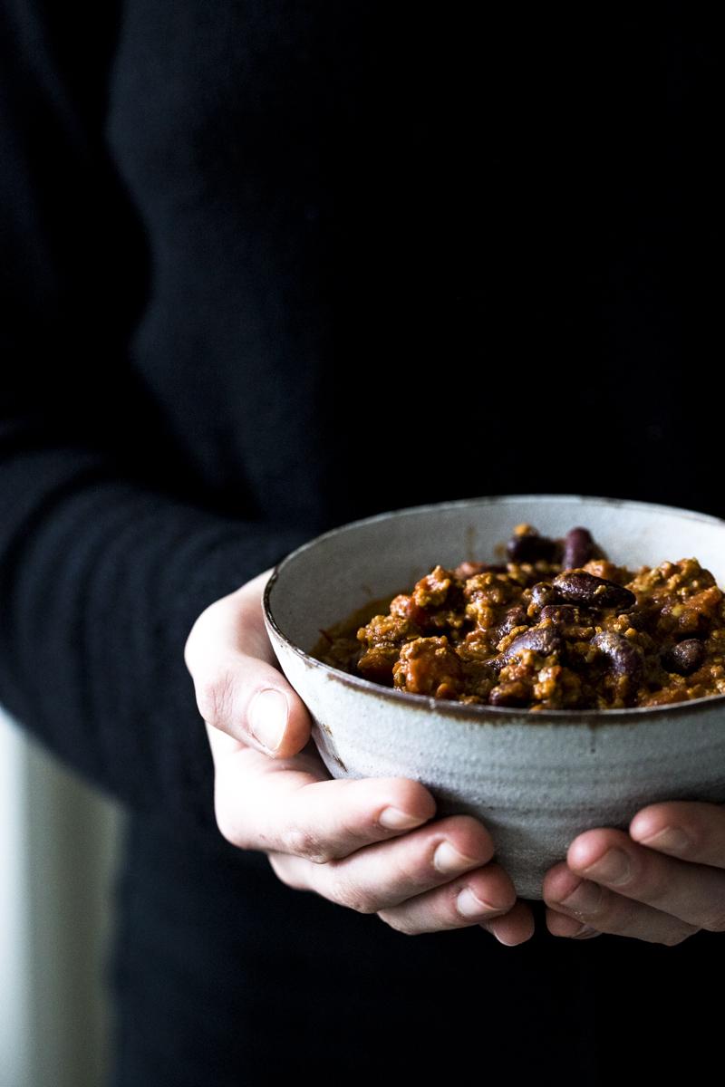 Chili con Carne: Dieser Klassiker gelingt jedem, läßt sich gut vorbereiten und und eignet sich prima für viele Gäste. So einfach geht's...