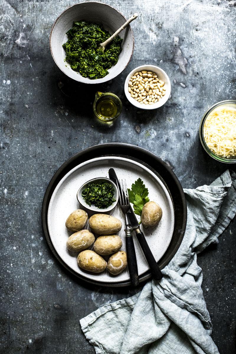 Petersilienpesto passt pefekt zu canarischen Kartoffeln mit feiner Salzkruste - so einfach geht's!