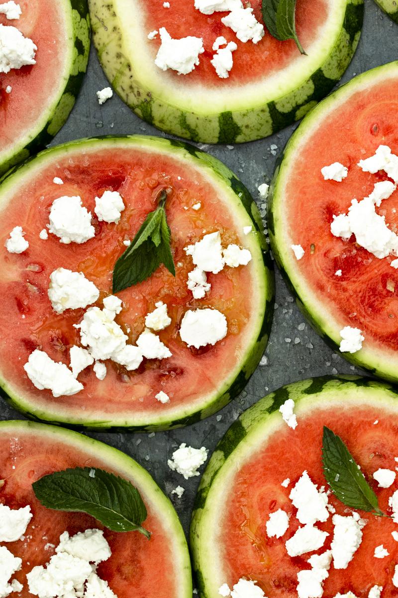 Wassermelone mit Schafskäse: so einfach, so gut! #Wassermelone #feta #minze #rezept