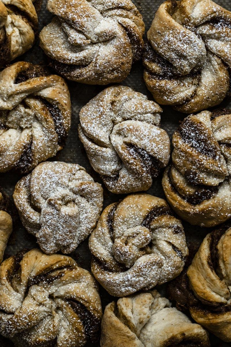 Zimtknoten mit Nougat #zimtschnecken #cinnamonrolls #kanelbullar #kanelknutar #zimtknoten