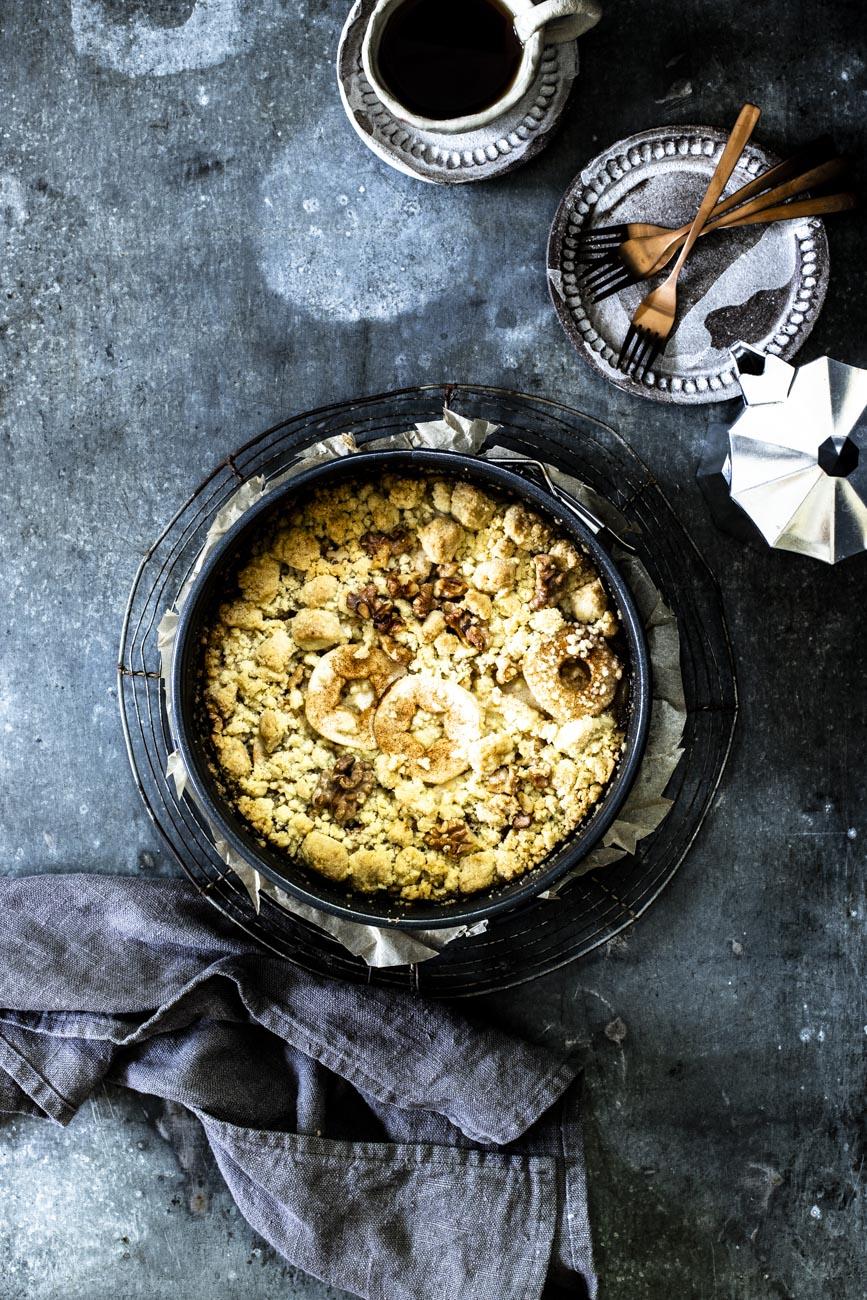 Einfacher Apfelstreuselkuchen mit Zimt - Omas gelingsicheres Rezept #apfelkuchenrezept #omas #gelingsicher #rezept #backen #einfach #saftig #blech #zimt #streuselkuchen #apfelkuchen #apfelstreuselkuchen