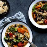 Toskanische Ribollita ist ein einfacher, leckerer, herzhafter Eintopf #resteessen #Ribollita #rezept #herbstküche #winter #eintopf #einfach #onepot #toskana