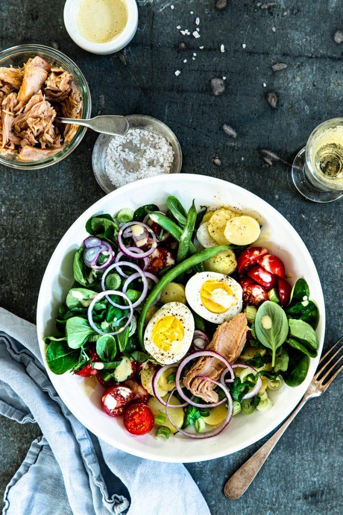 Nizza Salat - französischer Sommersalat-Klassiker! #lowcarb #originalrezept #thunfisch #salat #sommersalat #dressing #rezept #nizzasalat #saladeniçoise