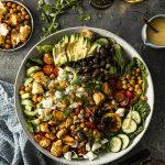 Griechischer Bauernsalat mit Feta – so einfach und schnell gemacht!